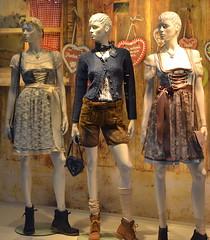 Münster (mademoisellelapiquante) Tags: europe germany oktoberfest munster northrhinewestphalia dirndl lederhosen folkcostume