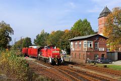 294 668-9 DB Cargo (Zugbild) Tags: bahn zug dbag rail eisenbahn lokomotive br294 niesky verkehrsrot stellwerk horkaschiene sachsen v90