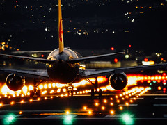 (t*tomorrow) Tags: panasonic lumix gx8 100400mm 伊丹空港 大阪