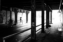 Underpass (Black&Light Streetphotographie) Tags: monochrome mono menschen menschenbilder people personen portrait peoples portraits urban tiefenschärfe wow dof depthoffield fullframe vollformat sony streetshots streets streetshooting streetportrait schwarzweis street sonya7rii city blackandwhite bw blackwhite bokeh bokehlicious blur
