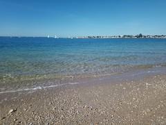 Grande Plage de Port-Louis (Bretagne, Morbihan, France) (bobroy20) Tags: lorient portlouis plage grandeplage beach larmorplage locmiquélic mer océan atlantique océanatlantique groix radedelorient blavet eau paysage landscape riantec gâvres