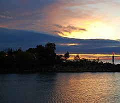 Scarborough sunrise (Pwern2) Tags: sunrise contrast scarborough scarboroughcliffs water freshwater lake lakeontario pier clouds bluehour toronto to the6 rougeriver highlandcreek landscape nature scarboroughbluffs bluffs canada canadian greatlakes sky marina