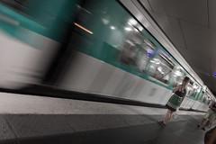 Paris Métro (pepsamu) Tags: metro métro subway underground train tren motion movimiento paris france parís francia vagón speed velocidad villejuif–louisaragon villejuif louis aragon louisaragon canon canonistas 60d lines líneas movement