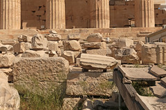 Acropolis - Athens (Greece) (Meteorry) Tags: europe greece ελλάδα athens αθήνα athènes athína attica athina acropolis acropoli acropole ἀκρόπολισ parthenon ruins παρθενών παρθενώνασ parthenónas may 2018 meteorry remains stones details