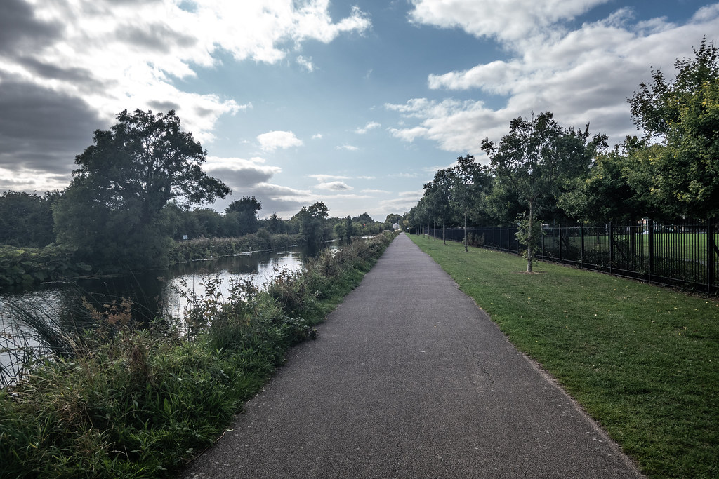 A WALK ALONG THE ROYAL CANAL [THE CRESCENT PARK AREA NEAR ASHTOWN]-143988
