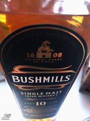 Bushmills (sunrise25) Tags: bushmills irishwhiskeywhiskey irish 1608 flasche bottle handy apple iphone iphone8plus iphonecamerashots