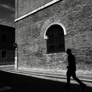 Calle de sol y de sombra