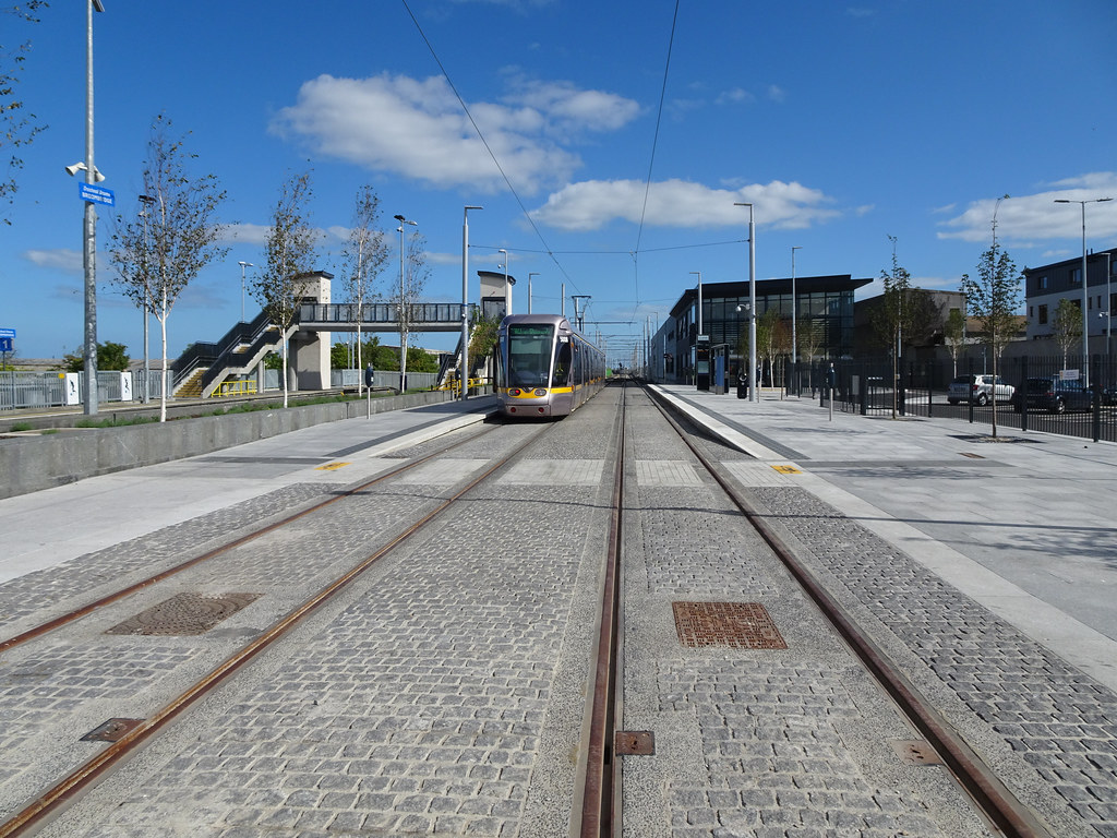AT LONG LAST THEY HAVE INTEGRATED BROOMBRIDGE TRAM STOP WITH THE TRAIN STATION [PHOTO DIARY 3 SEPTEMBER 2018]-143858