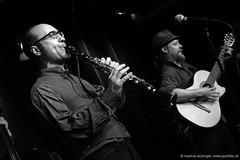 Daniel Carbonell: clarinete / Julien Chanal: guitarra (jazzfoto.at) Tags: salzburg salisburgo salzbourg salzburgo austria autriche blitzlos ohneblitz noflash withoutflash sony sonyalpha sonyalpha77ii alpha77ii sonya77m2