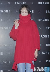 gong-hyo-jin19 (zo1kmeister) Tags: turtleneck sweater chinpusher