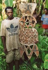 Schilden-068 (Stichting Papua Erfgoed) Tags: asmat schild shield pietvanmensvoort papuaheritagefoundation stichtingpapuaerfgoed papua irianjaya voormalignederlandsnieuwguinea