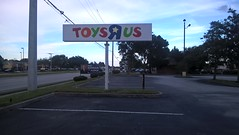 """I don't wanna grow up.... - Former Toys """"R"""" Us #8740 - Melbourne, FL (pokemonprime) Tags: toysrus tru vacant closed brevard melbourne fl"""