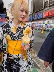 People in Tokyo on a hot summer day in August 18 shot by ralphstriewski images (25).jpg (Ralphs Images) Tags: streetphotography mft peopleintokyo olympuszuikolenses panasoniclumixg9 moods stimmungen menschen friendsintokyo ralph´simages tokyostreet lovejapan