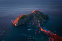 San Juan de Gaztelugatxe (Mimadeo) Tags: gaztelugatxe sanjuandegaztelugatxe basquecountry paisvasco euskalherria coast euskadi sunny ocean spain sea juan landscape basque san biscay vizcaya country bermeo water bizkaia nature tourism de ermitage destiny rocks touristic view tourist bakio landmark travel beautiful sunlight sunset blue island coastline scenic sky seascape