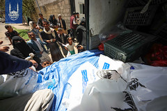Qurbani meat being distributed in Yemen in 2018.