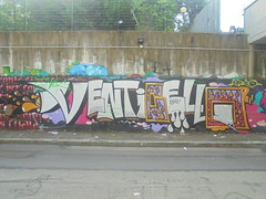 035 (en-ri) Tags: jack venticello kory gocce bianco nero arancione lilla torino wall graffiti writing muro