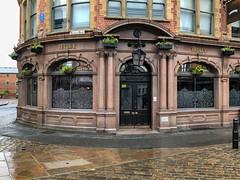 240_Leeds_07 (andreavarju) Tags: england leeds may2018 uk york yorkshire architecture pub iphonex
