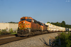 Pumpkins and Hunts (travisnewman100) Tags: norfolk southern burlington northern santa fe ns bnsf ge es44c4 austell georgia division atlanta terminal district locomotive intermodal 264 train freight rr