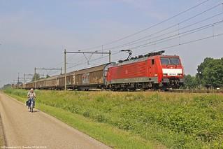 DB 189 054 am 09.06.2018 mit einem H-Wagenzug in America (NL)
