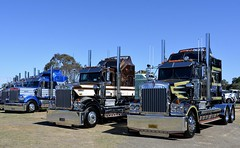 Ballinger and Cosgrove (quarterdeck888) Tags: trucks photos truckphotos australiantrucks outbacktrucks workingtrucks primemover class8 overtheroad interstate frosty quarterdeck jerilderietrucks jerilderietruckphotos flickr bdoubles lorry bigrig highwaytrucks interstatetrucks nikon truck kenworth kenworthclassic kk kenworthclassic2018 truckshow truckdisplay workingclasstrucks t950 legendt950 950 ballinger cosgrove srv