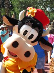 Clarabelle Cow (meeko_) Tags: clarabelle cow clarabellecow characters disneycharacters frontierlandhoedown frontierland magic kingdom magickingdom themepark walt disney world waltdisneyworld florida