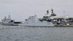 USS Zumwalt (DDG-1000), USS Somerset (LPD-25) & USS Makin Island (LHD-8) (Nozzr) Tags: unitedstatesnavy usn usnavy warship sandiego destroyer guidedmissile asuw antisurfacewarfare ddg1000 lpd25 zumwaltclass sealth stealthship landattackdestroyer sanantonioclass lpd landingplatformdock amphibioustransportdock amphibiouswarfareship lhd8 waspclass amphibiousassaultship landinghelicopterdock
