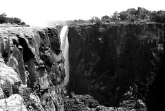 Victoria Falls , low water (Drehscheibe) Tags: nikonf2 fp4plus blackwhite waterfall nature outdoor