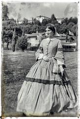 _EMA0035 (ema.mon) Tags: woman borgodimustonate borgo mustonate varese lombardia italia 800 rievocazionestorica oldstyle case abito