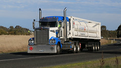 Hume/Olympic Mix (7/10) (Jungle Jack Movements (ferroequinologist)) Tags: daf kenworth international hume highway olympic way ettamogah albury hackett transport warragul coregas ats australian touring services jack daniels monahahn logistics mildura milperra bonaccord qualirty bairnsdale hp horsepower big rig haul haulage freight cabover trucker drive carry delivery bulk lorry hgv wagon road nose semi trailer cargo interstate articulated vehicle load freighter ship move motor engine power teamster truck tractor prime mover diesel injected driver cab cabin loud beast wheel double b