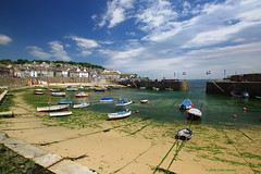 3KA09252a_C (Kernowfile) Tags: cornwall mousehole harbour beach sand water boats ropes chains moorings blue pier cottages trees sky clouds people cornishharbours pentax