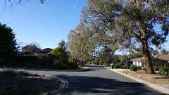 down the street (spelio) Tags: mal mj home old house sep 2018 belconnen act canberra australia