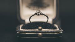 OLD STONE (robdando) Tags: macromondays definingbeauty diamond ring