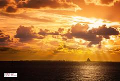 Sunset Holwerd (Reina Smallenbroek) Tags: reinasmallenbroek holwerd sunset water boat zeilschip sailingship waddenzee friesland zonsondergang
