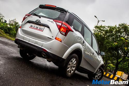 Mahindra-XUV500-Petrol-14