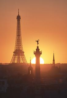 « Socle solaire »Tour Eiffel, Génie de la liberté et Sainte Chapelle  1