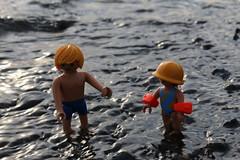 Nichtswimmer01 (Klickystudios) Tags: playmobil strand spielzeug outdoor ostsee kinder