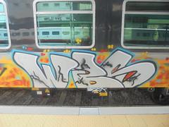 251 (en-ri) Tags: wbs crew giallo arancione nero azzurro grigio train genova zena graffiti writing