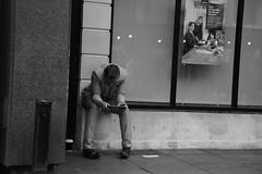 Desk Dining Table Boadroom we Got it (Bury Gardener) Tags: 2018 nikon nikond7200 england uk eastanglia suffolk streetphotography street streetcandids snaps strangers candid candids people peoplewatching folks bw blackandwhite burystedmunds cornhill