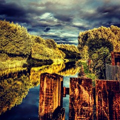 #HTCu11 #canal #reflection #sky #sunny #random #photography #shot (kadafione1234) Tags: sky random htcu11 reflection canal sunny photography shot