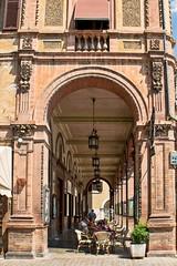 Piazza della Libertà a Tolentino (maresaDOs) Tags: tolentino marche piazza street italia italy