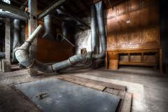 Manche Türen sollte man lieber nicht öffnen... (Sven Gérard (lichtkunstfoto.de)) Tags: abandoned decay derelict industrial lostplace urbex urbanexploration verlassen vergessen verfall lichtkunstfoto svengerard