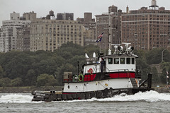 r_180909179_beat0075_a (Mitch Waxman) Tags: 2018greatnorthrivertugboatrace hudsonriver manhattan tugboat workingharborcommittee newyork