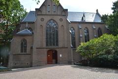 kapel op de begraafplaats, St.Barbara, Utrecht (mokeniekie) Tags: kapel utrecht begraafplaats stbarbara