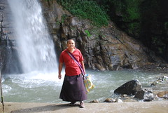 Lama at the waterfall (ih42ca) Tags: lama monk sikkim waterfall buddhist hike outdoors nature himalayas gangtok water summer rocks cliff