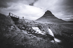 Kirkjufell, a classic view (Rene Wieland) Tags: kirkjufell iceland island travel bnw blacka nature longexposure mountain roadtrip