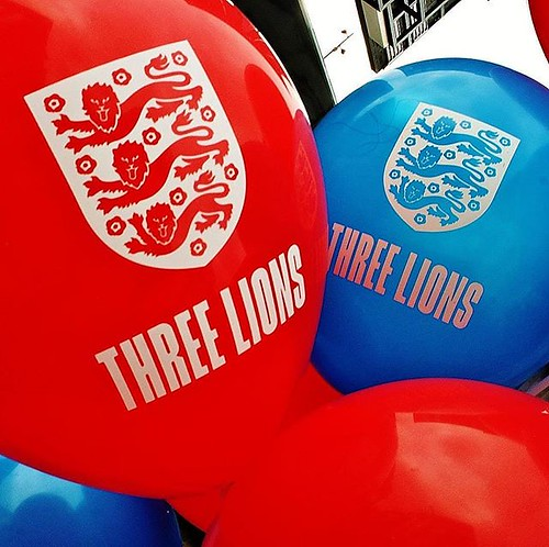 #ThreeLions on a #balloon in the #Fanzone in #leicester @bbceastmidlands @lcfc @bbcleicester @england @visitleicester