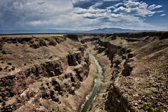 vemödalen (rovingmagpie) Tags: newmexico taos riograndegorgebridge riograndegorge riogrande bridge summer2018 painted vemodalen