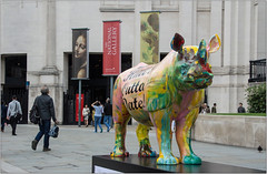 """""""Hate's Outta Date"""" (Mabacam) Tags: 2018 london tusk hatesouttadate thetuskrhinotrail rhino rhinocerous conservation sculpture artinstallation charity chriswestbrooktrafalgar squareharland millerthe national gallery"""