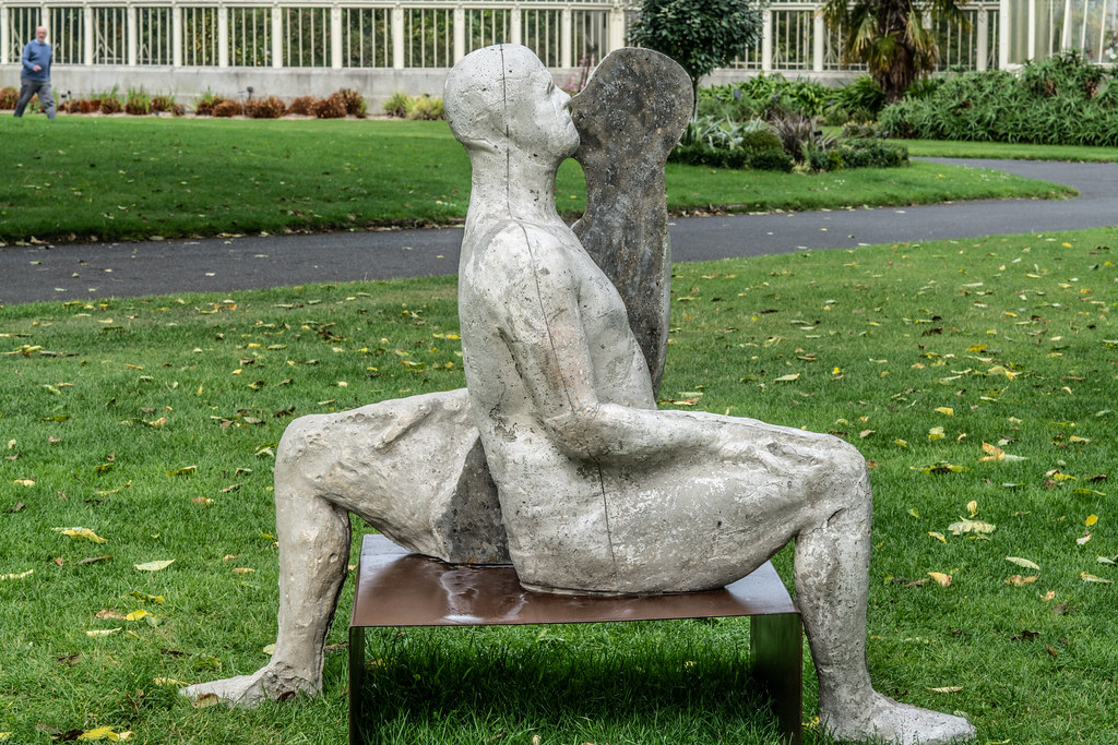 SAME SAME DIFFERENT BY BRIAN SYNNOTT CATALOGUE REFERENCE 142 [SCULPTURE IN CONTEXT 2018 IN THE BOTANIC GARDENS]-144022