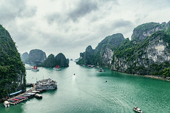 Halong-Bay-Outanderly-Vietnam (outlanderly) Tags: outlanderly travel traveltips travelnomad vietnam whattodo